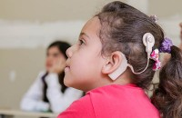 Ateal entrega 497 aparelhos auditivos e zera fila de espera